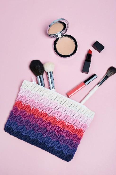 Colour gradient purse